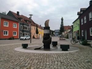 Der neu gestaltete Georg-Landgraf-Platz kurz vor seiner offiziellen Einweihung
